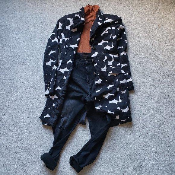 CHAPTER ONE Black and Cream Blazer Jacket